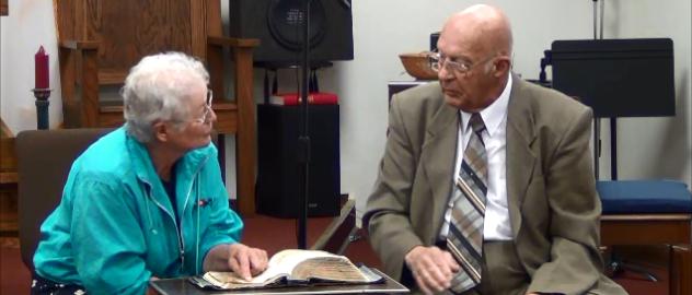http://heritagebbc.com aka http://dryounce.com - Heritage Baptist Bible Church, Pastor and Member demonstrate Open Bible Witnessing, using John 3:16.